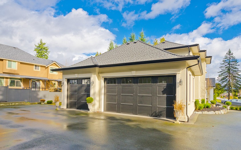 Garage Doors Are Not All the Same. Which Should You Choose?